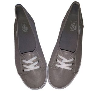*ADORABLE* Vans slip-on Sneaker/Loafers